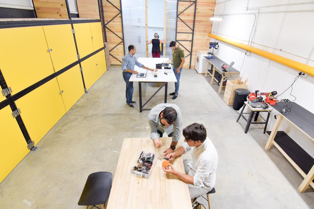 FabLab con impresora 3D en Madrid - makers en taller